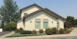 3882 Crater Lake Avenue, Medford